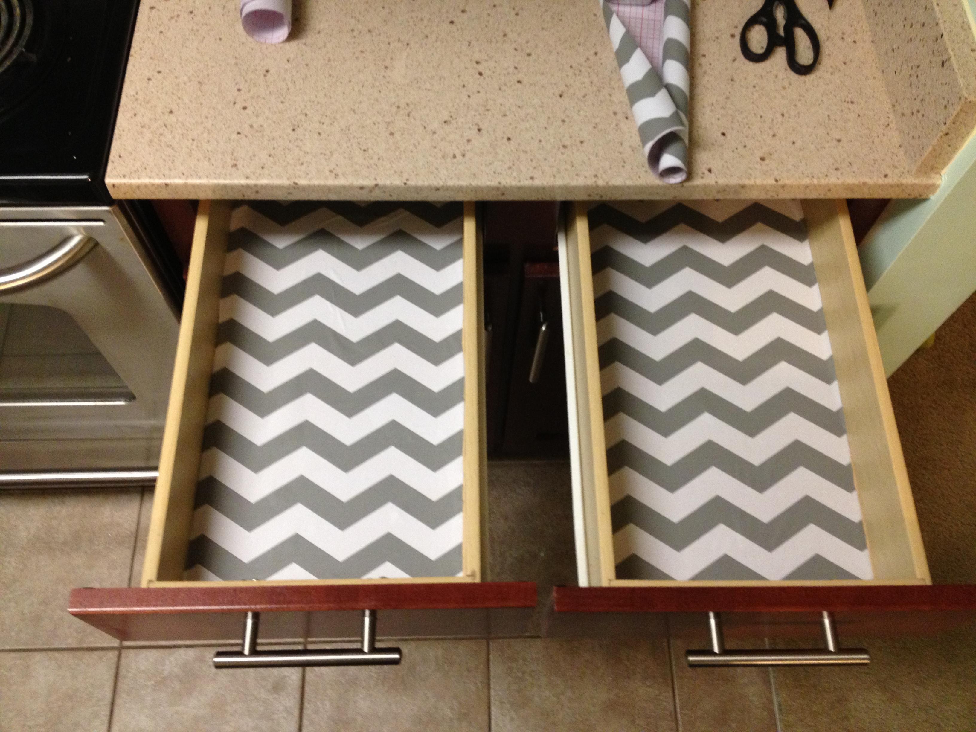 Adding Vinyl to Shelves - Charleston Crafteda